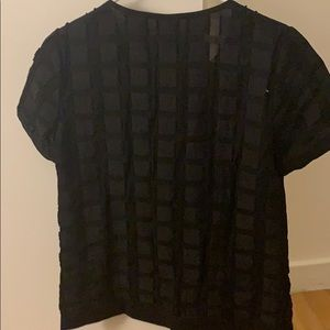 Jaquered black top with key hole